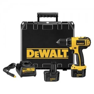 DeWalt  DC742VA Cordless Drill/Driver Kit with vehicle charger