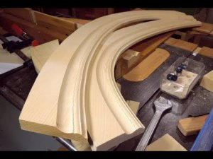 Making curved molding with the tilting router lift