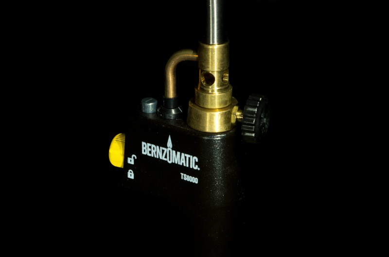 Bernzomatic torch controls