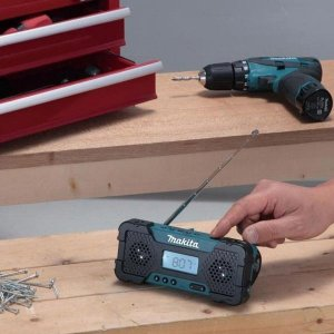 Cute 10.8 Volt Radio From Makita UK